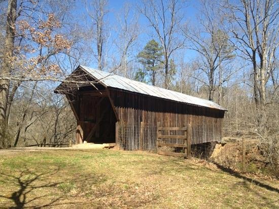 Claremont, NC: Bunker Hill Covered Bridge