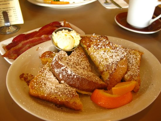 Julia's in Wallingford: French Toast l'orange