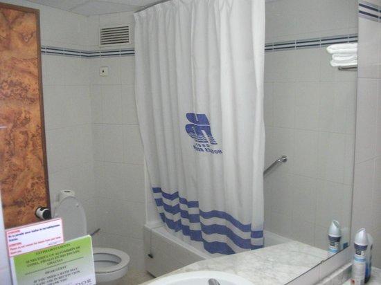 Hotel Ambassador Playa: bathroom