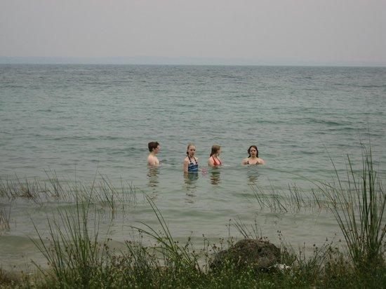 Posada del Cerro: Kids swimming in lago Peten Itza