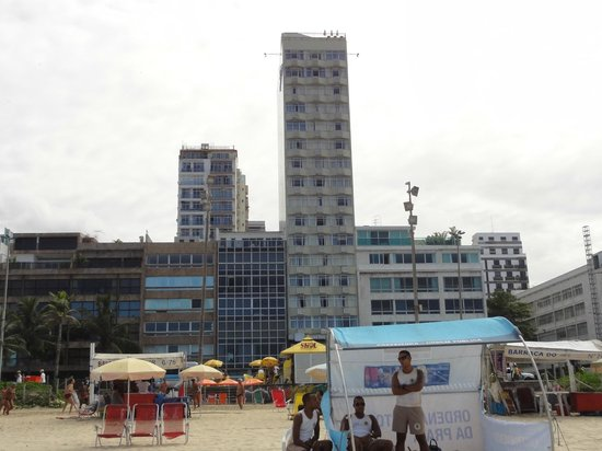 Sol Ipanema Hotel: Frente del hotel (el mas alto) toma desde la Playa