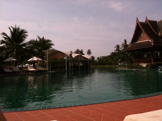 Sofitel Krabi Phokeethra Golf & Spa Resort: the lovely pool