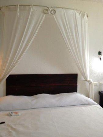 hotel hacienda morelos, vista de la cama