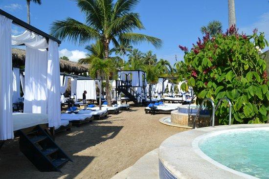 The Tropical at Lifestyle Holidays Vacation Resort: VIP Beach Cabanas
