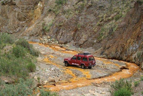 La Mejicana Mine: Tratando de llegar a la mina a travesando el rio