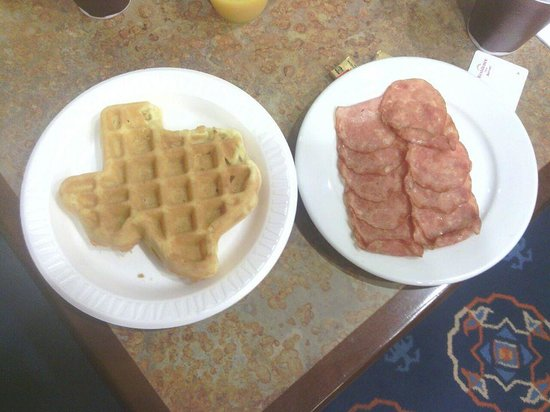Residence Inn Abilene: Turkey Canadian Bacon cooked fresh just for me :)