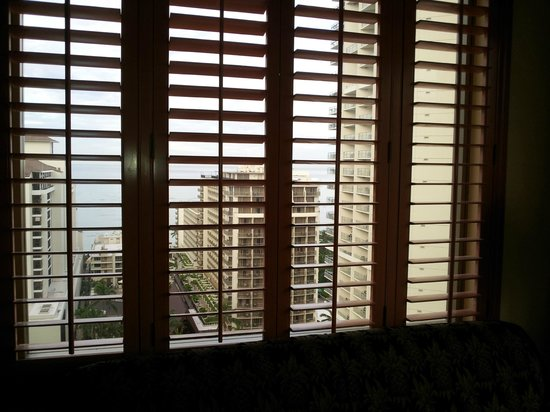 Embassy Suites by Hilton Waikiki Beach Walk: Shutters with a view