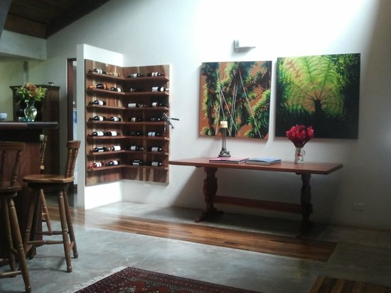 Poas Volcano Lodge: Wine pantry and bar