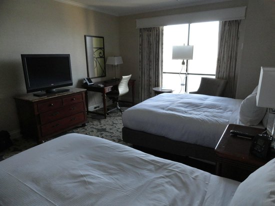 Hilton New Orleans Riverside: Room 2027 - 2 Queen Beds Deluxe Room in Tower
