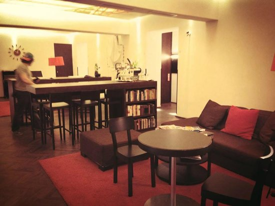 Hollmann Beletage: 2nd Floor Lounge