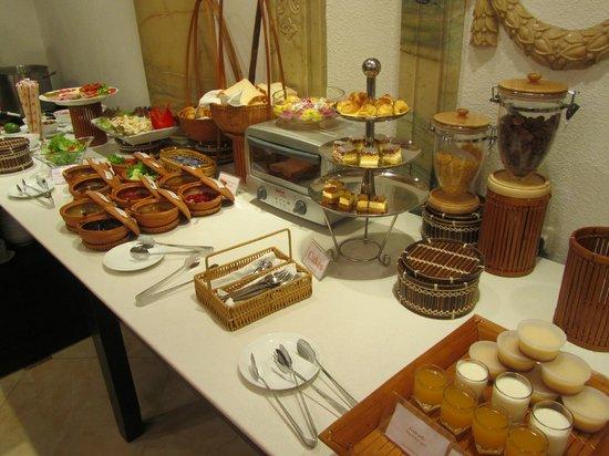 Hanoi Meracus Hotel 1: Desayunno