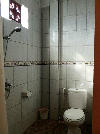 Ubud Sedana Homestay: Modern Bathroom