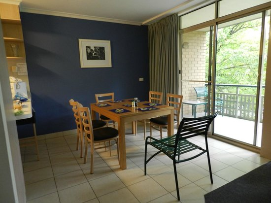 Kingston Terrace Serviced Apartments: Dining area