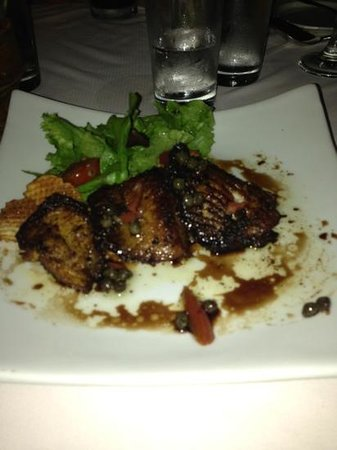 Oliver's Seaside Grill: grilled sting ray. perfect.