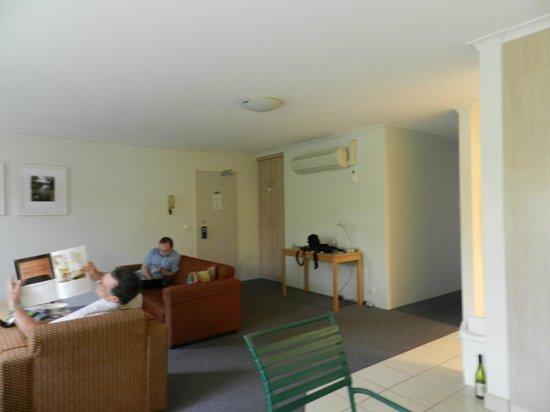 Kingston Terrace Serviced Apartments: Lounge Room