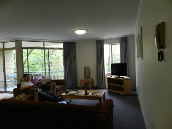 Kingston Terrace Serviced Apartments: loungeroom