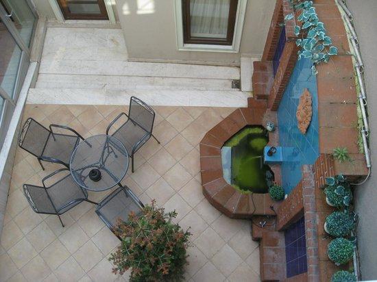 Hotel Seraglio: Courtyard