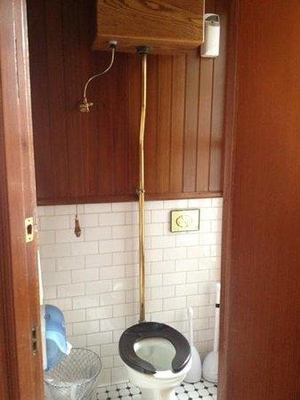San Remo Hotel: pull chain toilet