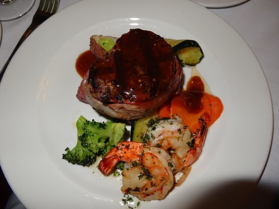 Sandstone Grillhouse: Surf and Turf (bacon wrapped filet with three large shrimp with mixed vegetables and red potatoe