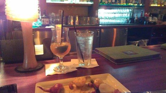 Roy's : Mai Tai & Bar Area