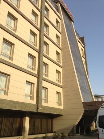 QafqaZ Point Boutique Hotel: dorm-room looking hotel