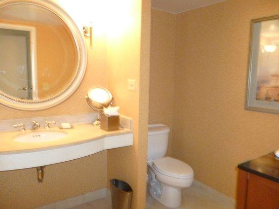 Hilton Columbus at Easton: baño