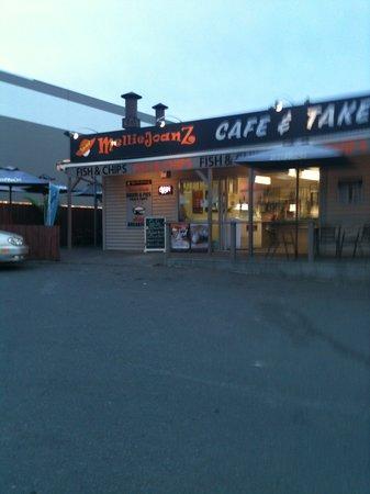 Melliejoanz Cafe & Takeaways: Melliejoanz Cafe 3