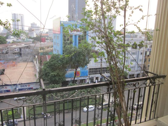Oscar Saigon Hotel: look out from a window