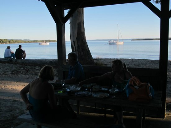 Strahan Holiday Retreat: great for picnic lunch
