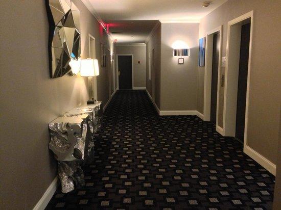 Ameritania Hotel: Piso 8, salida del ascensor