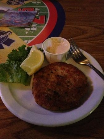 Relief Pitcher Tavern: crab cake! yummmmm