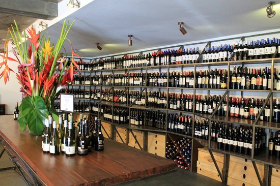 Winehouse : More than 6000 bottles on offer