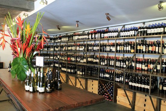 Winehouse : Over 6,000 bottles on offer