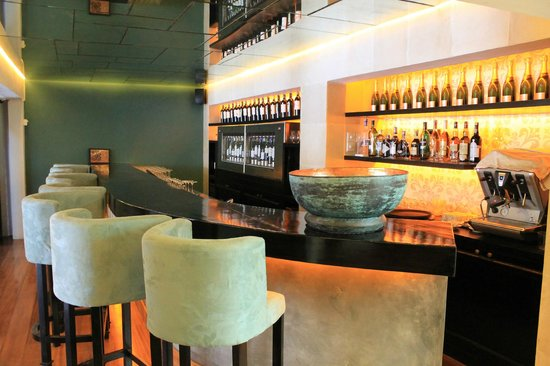Winehouse: The Bar with 16 Wines by the Glass