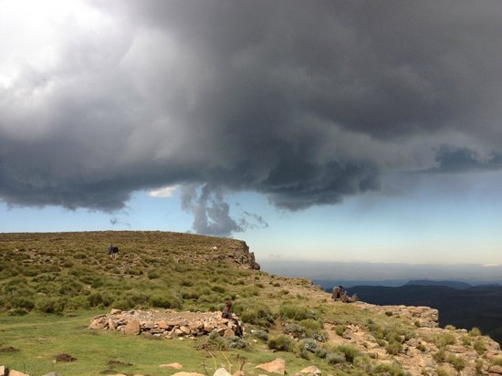 Major Adventures - Day Tours : The start of the massive hail storm that we drove through on the way down