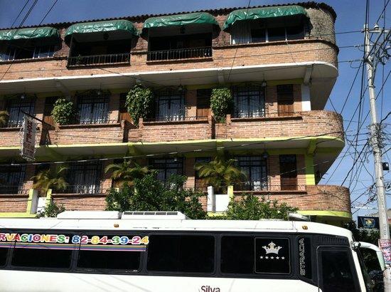 Hotel Villa Del Mar: hotel exterior