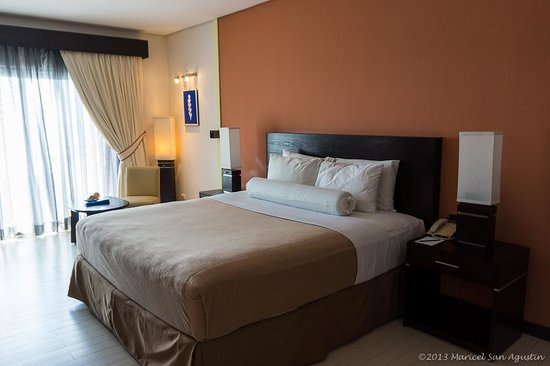 ‪‪Thunderbird Resorts Poro Point‬: comfy bed‬