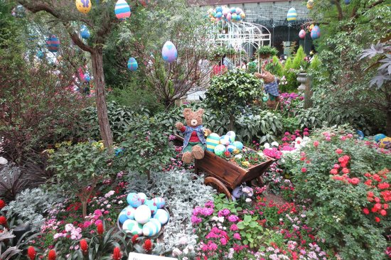 Gardens By The Bay: Easter Day Flower Dome