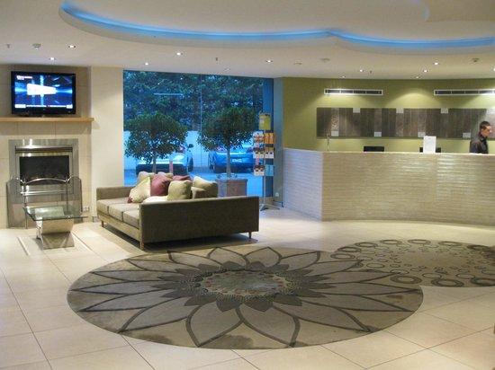 โรงแรมแกรนด์ ชิฟลีย์ แอดิเลด: Hotel lobby