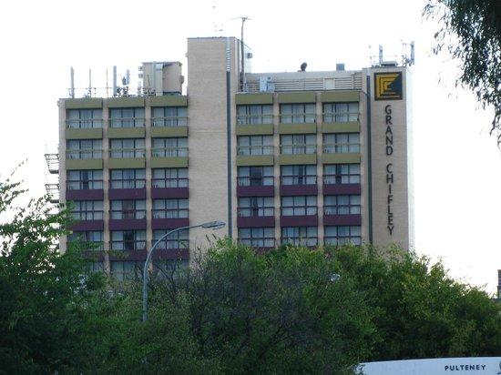 โรงแรมแกรนด์ ชิฟลีย์ แอดิเลด: Exterior of the hotel
