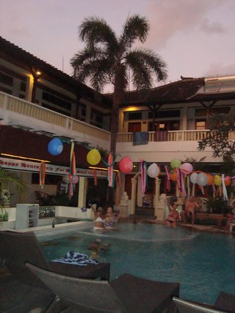 Rosani Hotel : Pool party