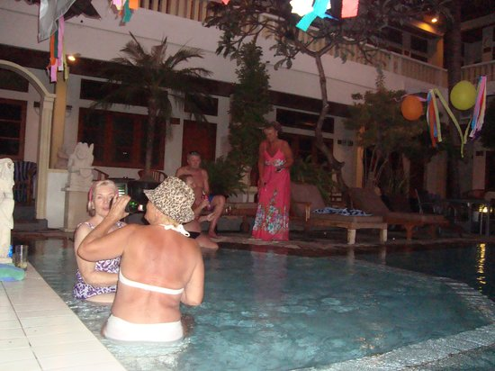 Rosani Hotel: pool party