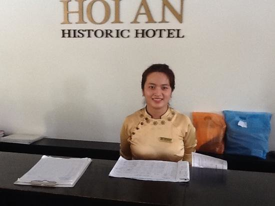 Hoi An Historic Hotel: Reception service number One.