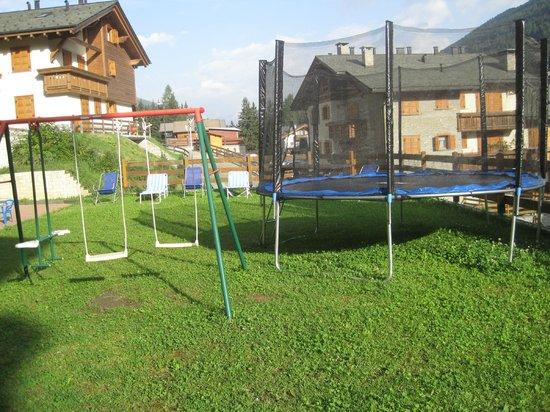 Casa Vacanze Michela: Giardino con area bimbi