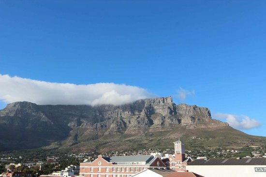 Protea Hotel Fire & Ice! by Marriott Cape Town: Vista della Table Mountain dall'hotel