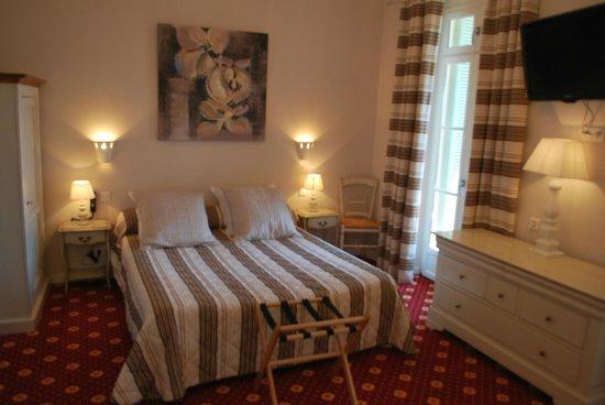 Hôtel Le Bellevue : chambre 15