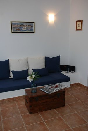 Andros Prive Suites: living room