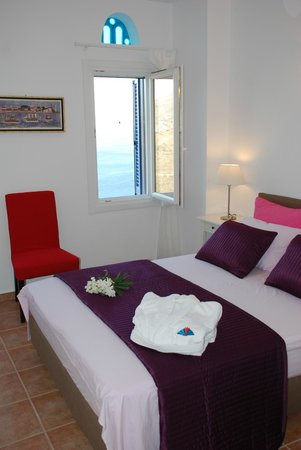 Andros Prive Suites: bedroom