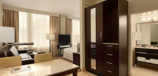 Embassy Suites by Hilton Alexandria-Old Town: Studio Suite