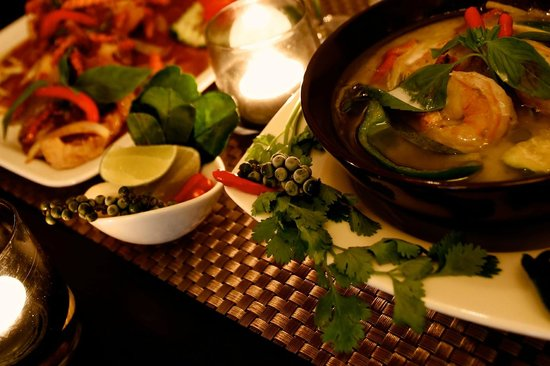 Blue Chili Thai Restaurant: Green curry with prawns